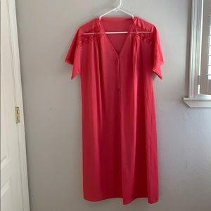Vintage Vanity Fair Short sleeve slip robe
